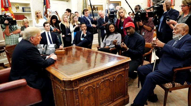 Kanye West en el despacho presidencial de Donald Trump |