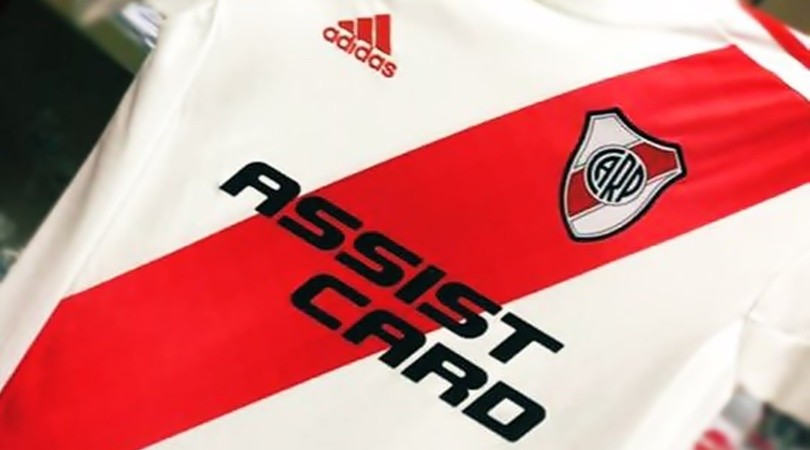 River sumó a Assist Card como nuevo sponsor(Foto: Twitter @AssistCard)