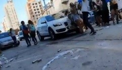 Video: automovilista atropelló a un grupo de alumnos que festejaban el UPD